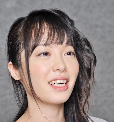 芥川賞、本谷有希子の変人伝説。繊細なのか、はたまた大胆なのか?吉田豪のトークからその実態を検証。