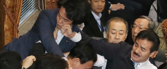 小西洋之、サッカーW杯を安倍批判に利用 ネット「大多数の「日本」国民からはお前にレッドカードが出ている」「下衆」「哀れな政治家」 ->画像>19枚