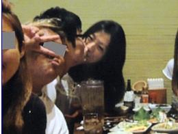 寺川綾のキス画像